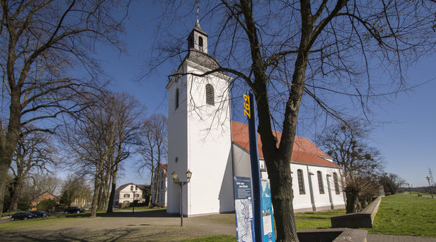 Dorfkirche in Friemersheim